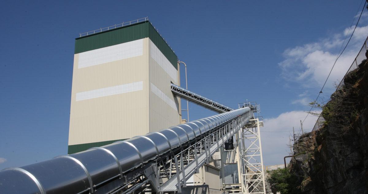concrete-production-and-conveyor